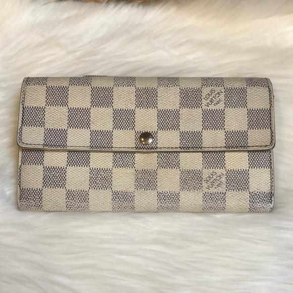 e892cfa92e18 Louis Vuitton Handbags - Louis Vuitton Damier Azur Sarah Wallet